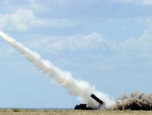Порошенко повідомив про успішне випробування ракетного комплексу «Вільха»