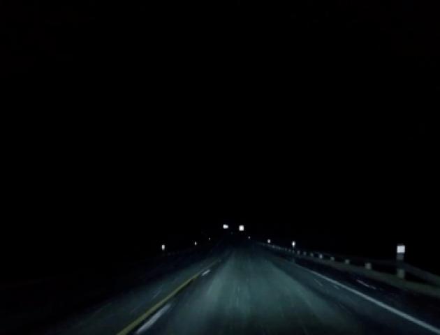 «Освітлення не працює, розмітки нема»: водії скаржаться на темряву на дорозі під Луцьком