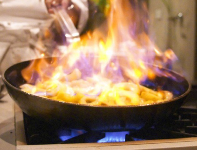 Волинянка так підігрівала їжу, що ледь не спалила квартиру