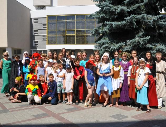 Учасники фестивалю «Князівський бенкет», що «повернулися» з Середньовіччя. ФОТО