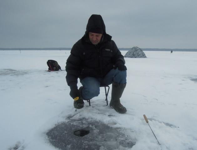 Зимова риболовля на Шацьких озерах. ФОТО