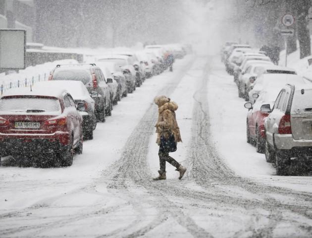 Мороз та дрібний сніг: погода в Луцьку на 9 січня