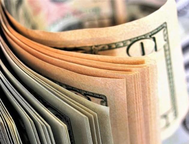 Курс валют на 9 серпня: долар та євро подешевшали