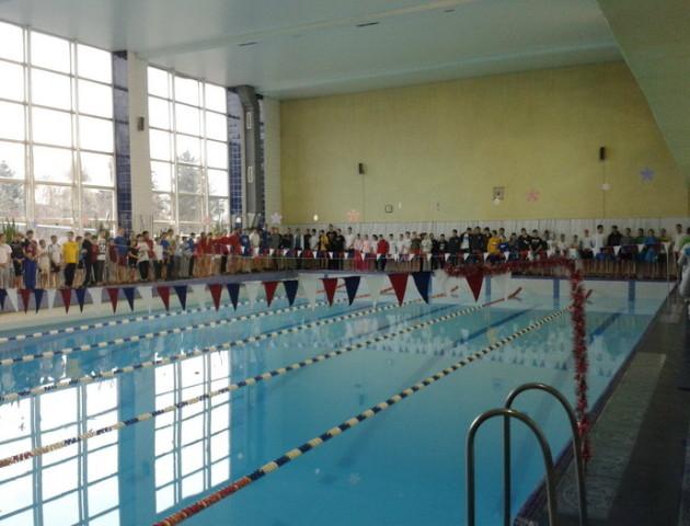 У басейн для луцьких плавців куплять нове обладнання. ВІДЕО