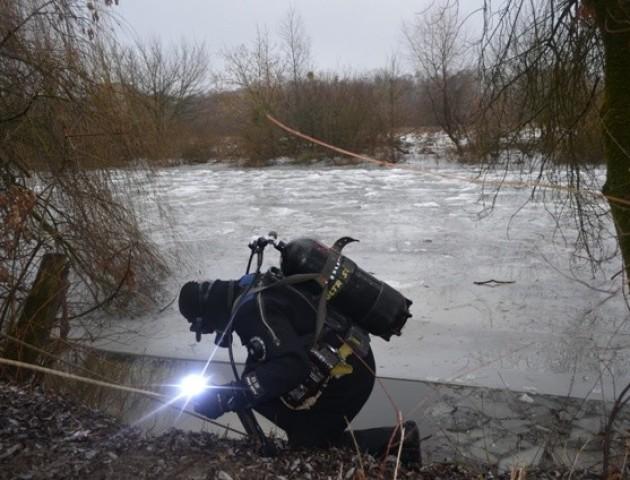 Тіло хлопчика, який провалився під лід, знайшла біоенергетик