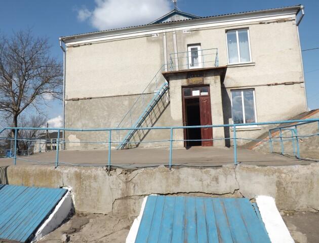 На Горохівщині може завалитися школа