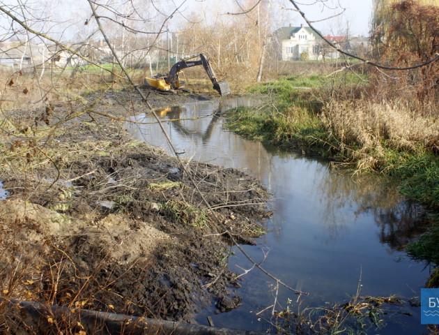 У Володимирі розчищають русло річки - там хочуть облаштувати відпочинкову зону