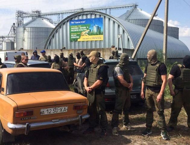 На Харківщині – стрілянина через елеватор. ВІДЕО