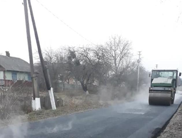 У селі під Луцьком заасфальтували вулицю. ФОТО