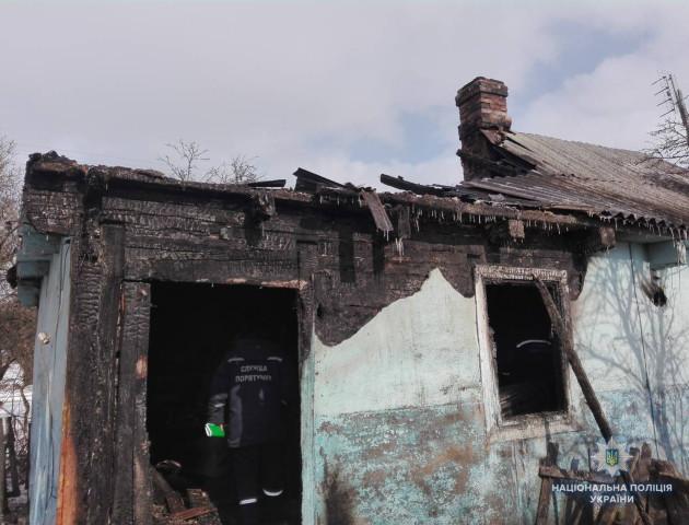 На Волині чоловік вбив пенсіонерку, а потім спалив її будинок