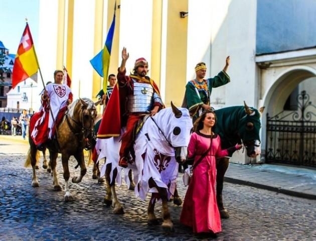 «В січні недобре смажити м'ясо в замку», - Шиба про «скромне» святкування луцького з'їзду монархів