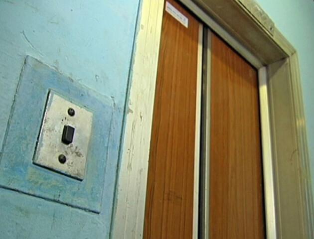 У Луцьку візьмуться за ліфти: капільно відремонтують майже три десятки