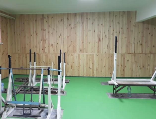 З окремими душовими та туалетом: у сільській школі під Луцьком завершують ремонт спортзалу. ФОТО