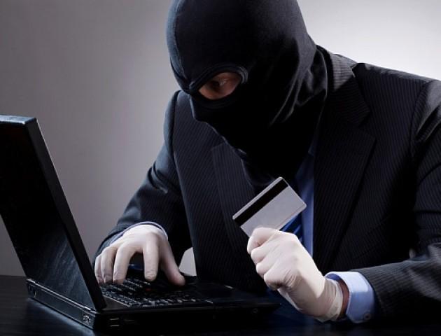 На Волині чоловік «обікрав» кредитну картку односельчанина