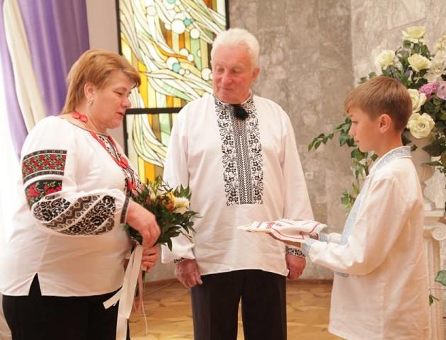 Сапфірове весілля: пара волинян поновила обітниці через 45 років подружнього життя. ФОТО