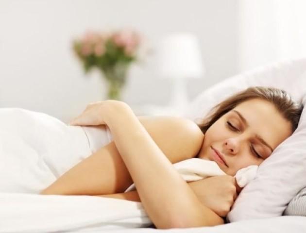 Кардіологи розрахували оптимальний час сну