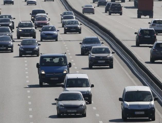 Кримчан почнуть штрафувати за українські номери на авто