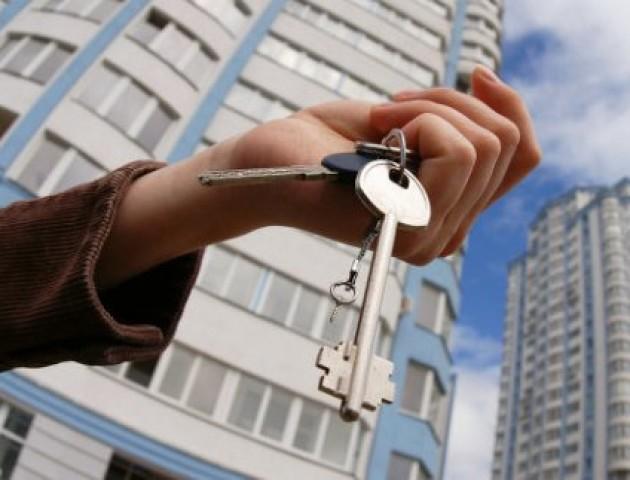 Українці просять Порошенка збільшити фінансування програми «Доступне житло»
