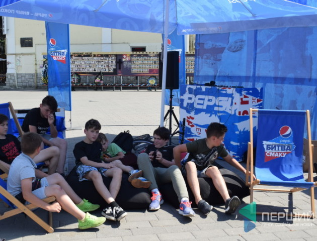 «Такого цинізму я не бачив у житті!» - фотограф про акцію «Pepsi» в центрі Луцька