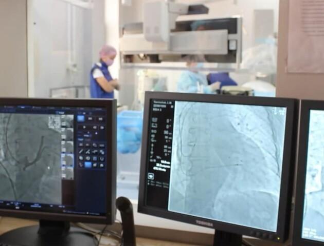Волинські кардіохірурги провели унікальну операцію 80-річному пацієнту
