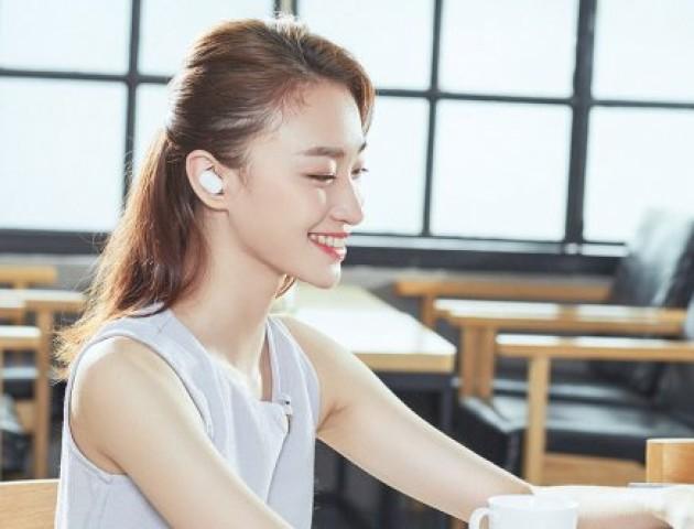 Китайці зробили дешевий аналог безпровідних навушників AirPods