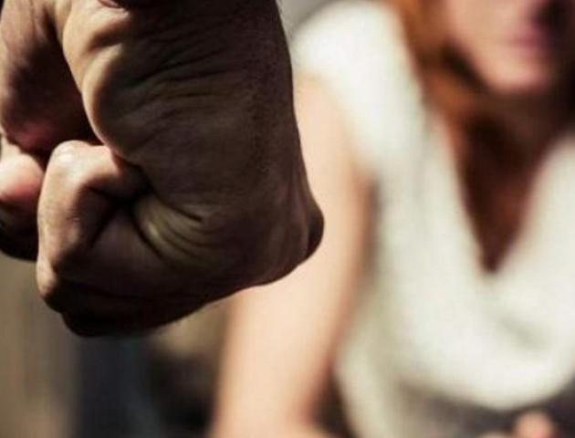 Півсотні ударів кулаками: волинянин забив дружину через гроші за картоплю