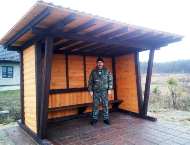 У волинському селі  лісівники облаштували нову зупинку. ФОТО
