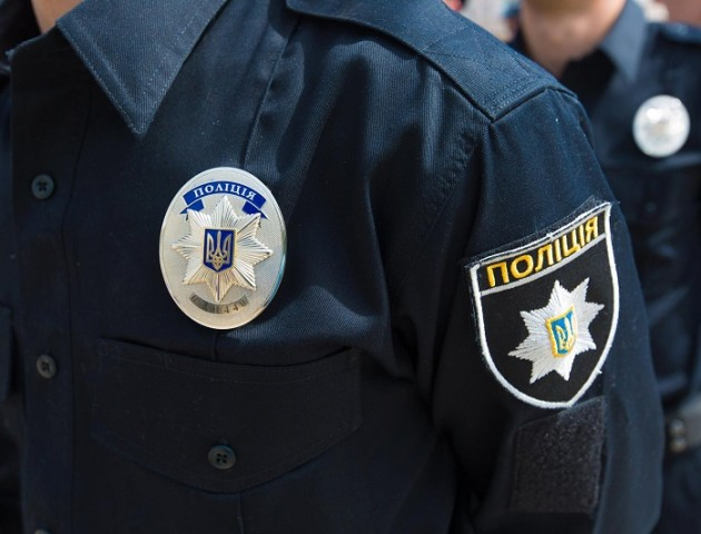 На Волині поліцеські затримали два автомобілі із сумнівними документами