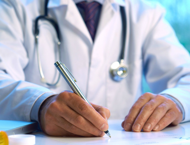 Лучан просять поспішити з підписанням декларацій з лікарями