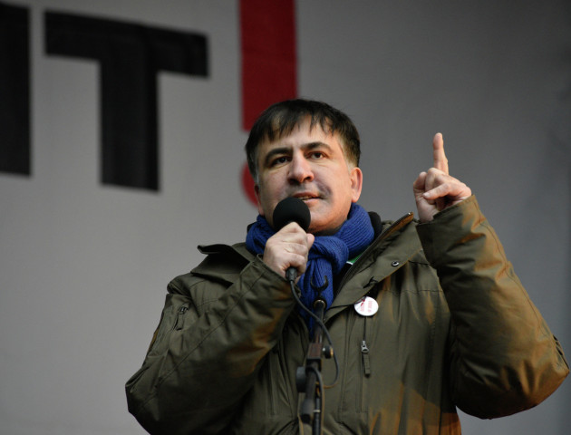 Саакашвілі оголосив про припинення протестних акцій