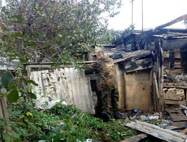 На луцькій вулиці «знесли» старі сараї. ФОТО