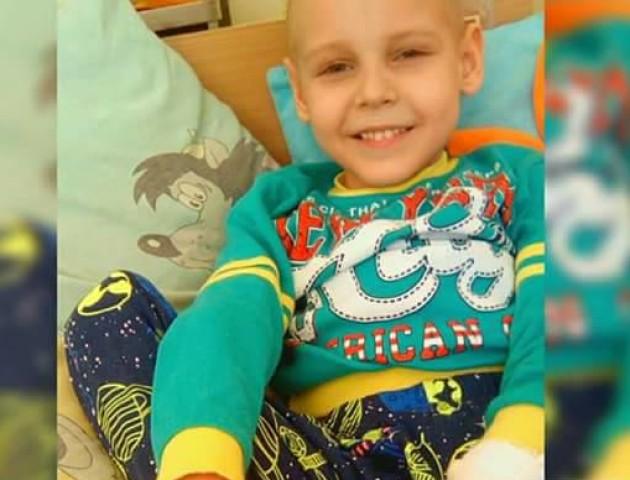 За що такі муки: маленькому волинянину, який бореться з раком, знову стало гірше