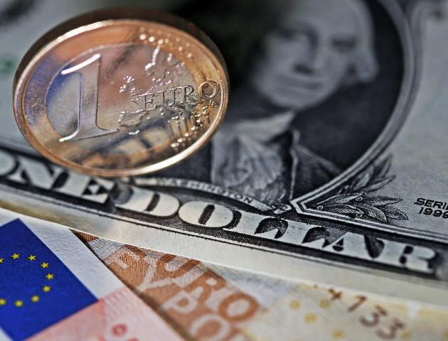 Курс валют на 4 вересня: долар подорожчав, євро також трохи додав