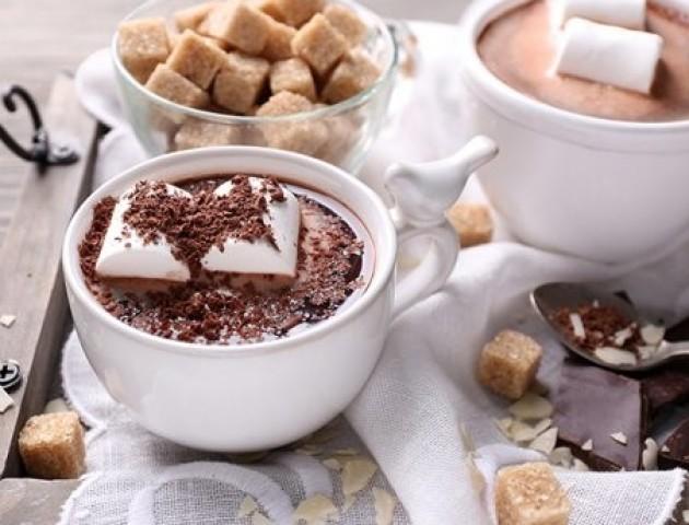 Чому гарячий шоколад потрібно пити взимку
