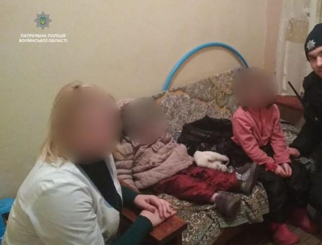 У Луцьку жінка покинула двох дочок напризволяще: дітей відвезли у притулок. ФОТО