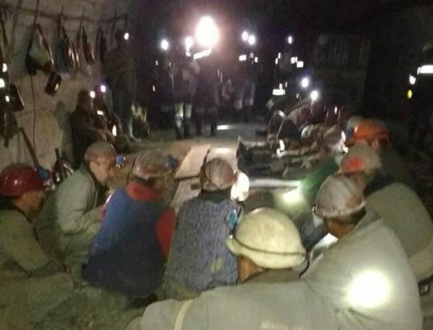 Волинському гірнику, який протестував під землею, стало зле, його доправили до лікарні