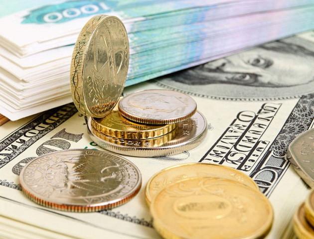 Курс валют на 26 червня: долар падає, євро росте