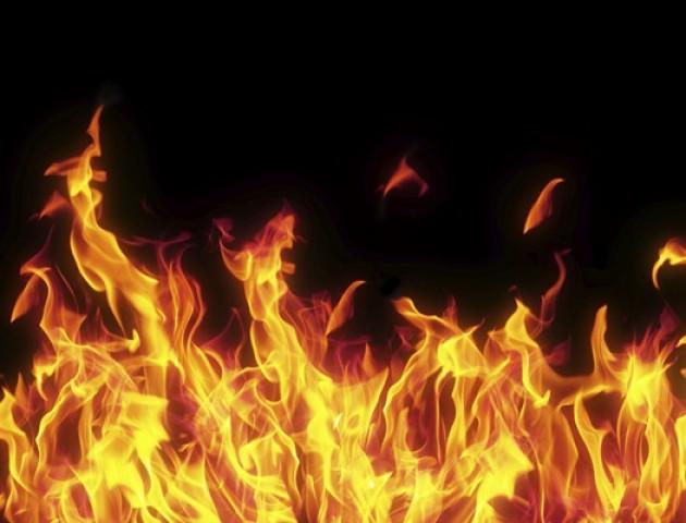 Чоловік, який підпалив себе у центрі Луцька - у реанімації