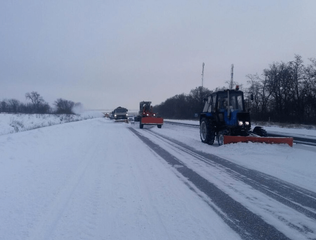 Зношений транспорт і проблема з кадрами. Чи готові волинські дорожники до зими