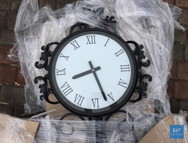 У Нововолинську з'явиться двосторонній декоративний годинник