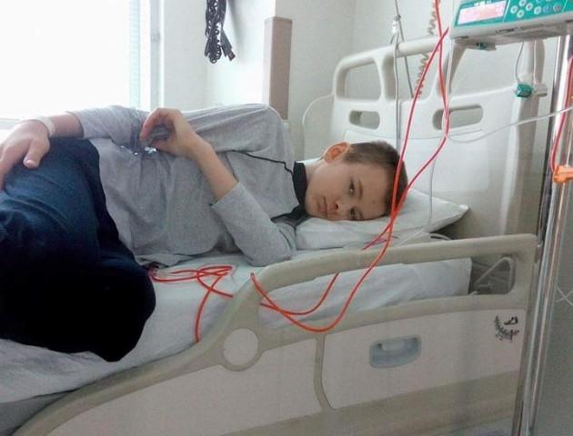 Школяреві з Волині пересадили кістковий мозок