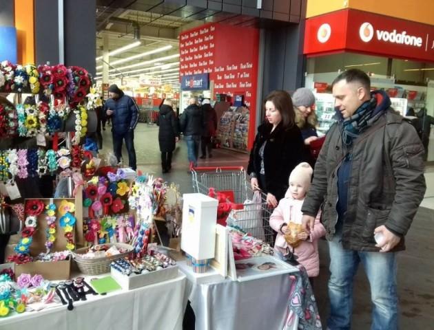 У Луцьку проходить святковий ярмарок до Дня святого Валентина. ФОТО