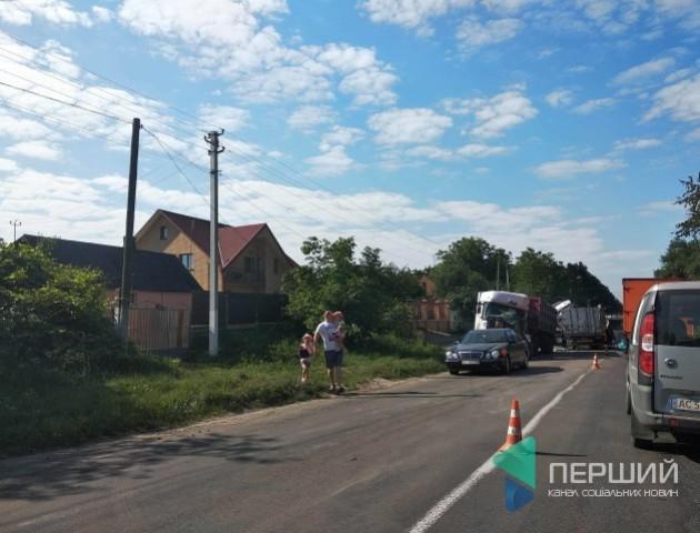 Лучанина затисло у понівеченій кабіні: подробиці ДТП у Ківерцях