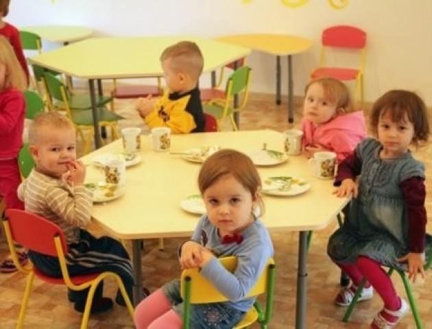 У Луцьку перезавантажені садочки, у черзі - 800 дітей