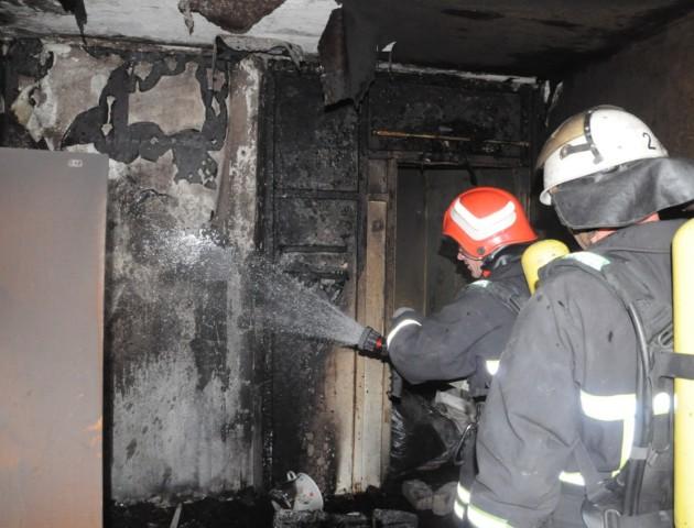 У Луцьку гасили пожежу у гуртожитку