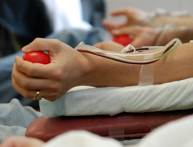 Ваша кров може врятувати життя: волинян закликають стати донорами