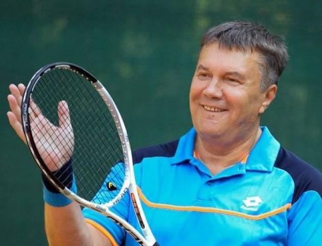 Янукович в лікарні і «не може рухатися»