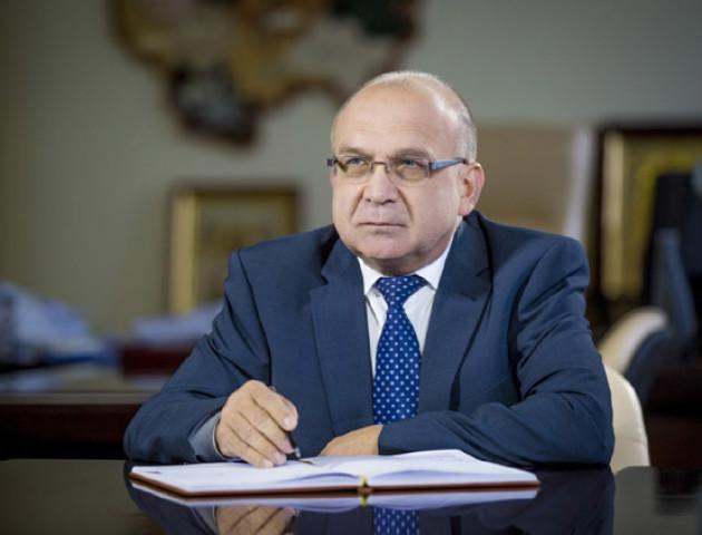 Голова Волинської ОДА Гунчик посперечався з депутатами у Facebook через гроші на ремонт доріг
