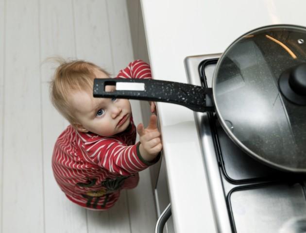 Сам удома: як навчити дітей користуватись газом. ВІДЕО