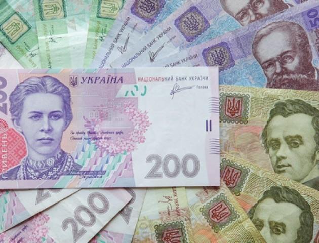 Курс валют на 23 лютого: долар і євро дорожчають